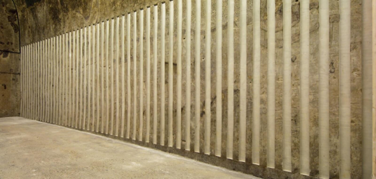 Daniel Buren, Ecrire la craie : bas-relief, travail in situ, 2007
