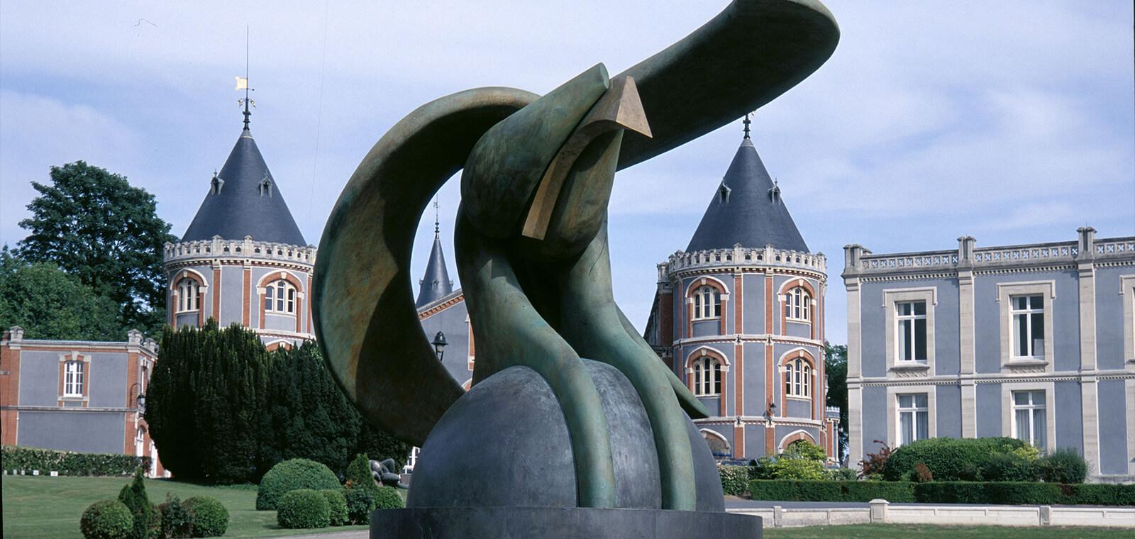 Olivier Strebelle, The protecting Eagle VI, 1983-2000
